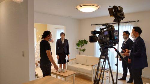 いわき市泉のモデルハウスでテレビの撮影が行われました